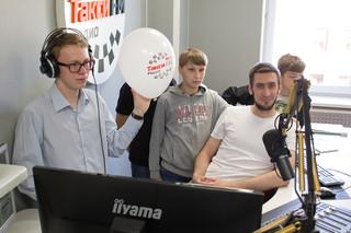 Ведущий Такси FM Юрий Богородский с детьми